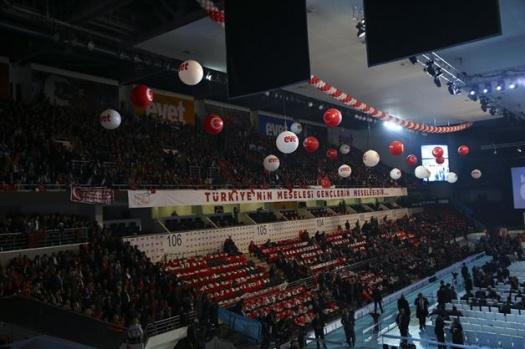 AK Parti referandumu anlatıyor