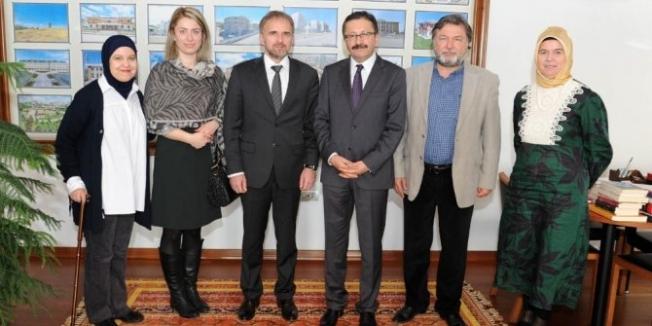 Bosna Büyükelçisi'nden  Tiryaki'ye Ziyaret