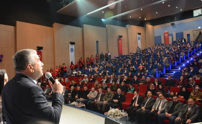 Mehmet Akif Ersoy Şiirlerle Anıldı!