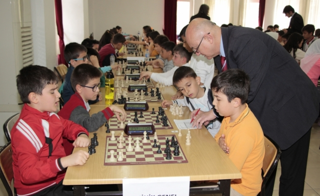 Beypazarı'da okullar arası satranç turnuvası düzenlendi