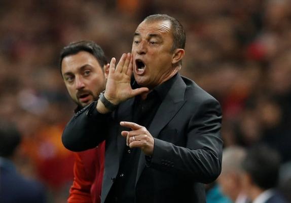 Galatasaray'da takımdan ayrılacaklar belli oldu