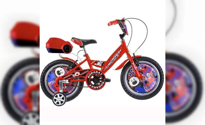 Pursaklar Belediyesinden çocuklara bisiklet hediyesi