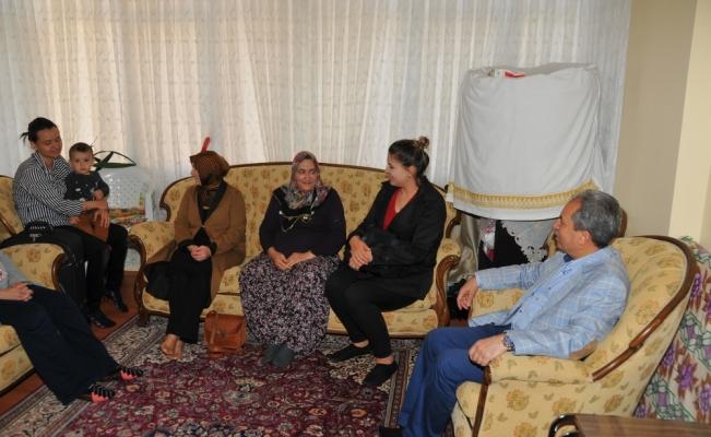 Başkan Akkaya şehit annelerini ziyaret etti