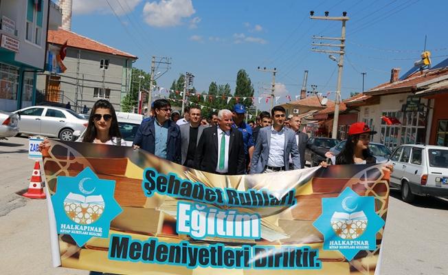 Halkapınar'da Gençlik Haftası yürüyüşü