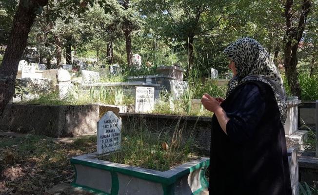 Arefe günü mezarlık ziyaretleri