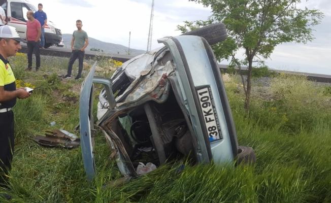 Kayseri'de otomobil devrildi: 2 ölü, 2 yaralı