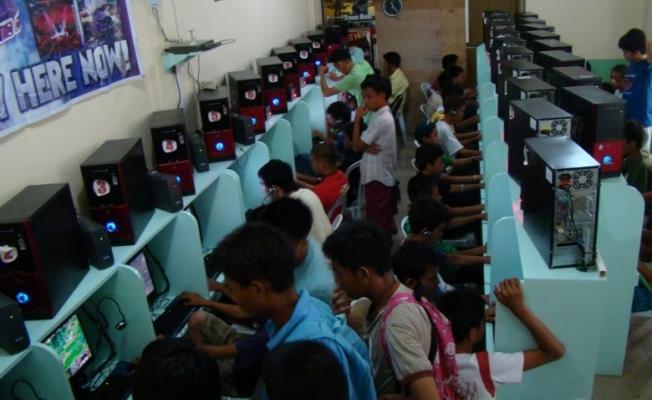 """""""İnternet oyunları çocuk istismarını artırıyor"""""""