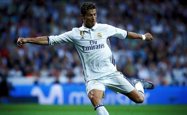 Ronaldo Real Madrid'de iz bıraktı