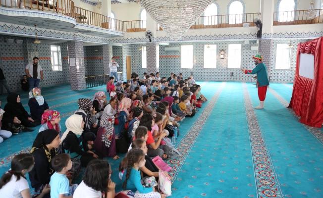 Sincan'da Çocuklar Camilere Koşuyor