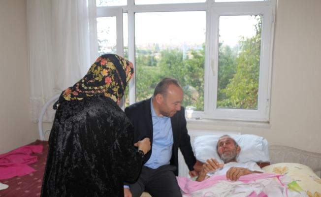 Başkan Dağdelen, kanser hastasının isteğini yerine getirdi