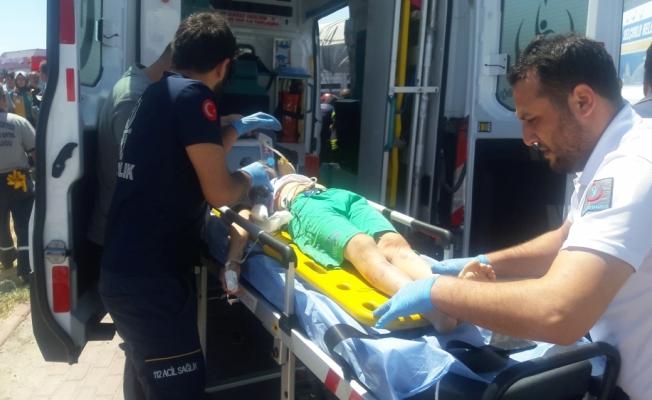 Konya'da otomobil tıra çarptı: 2 ölü, 2 yaralı