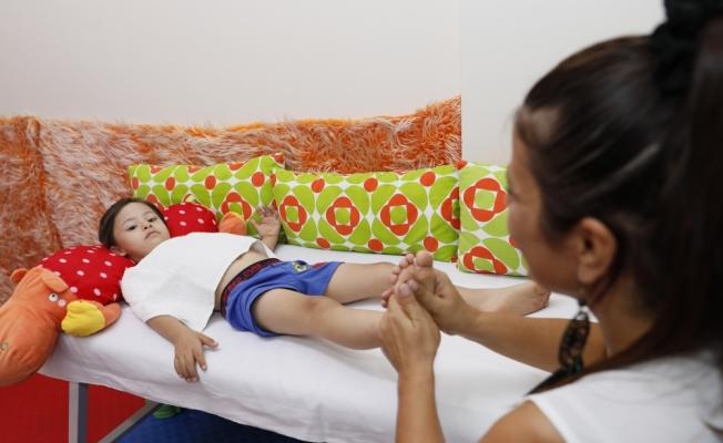 Özel çocuklara yoga ile terapi