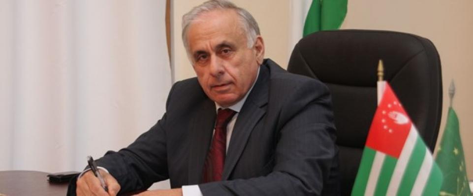 Abhazya Başbakanı trafik kazasında hayatını kaybetti!