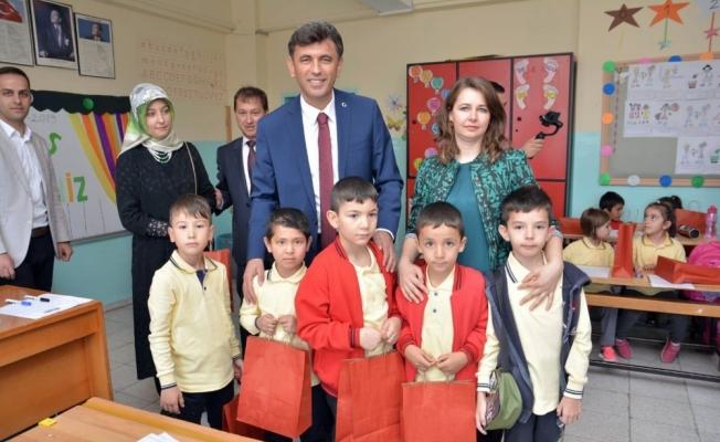 AK Parti İl Başkanı Çalışkan, öğrencilerle buluştu