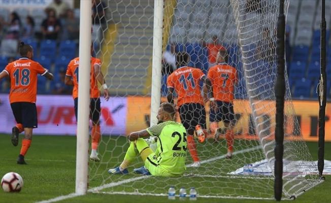 Medipol Başakşehir'den bol gollü galibiyet