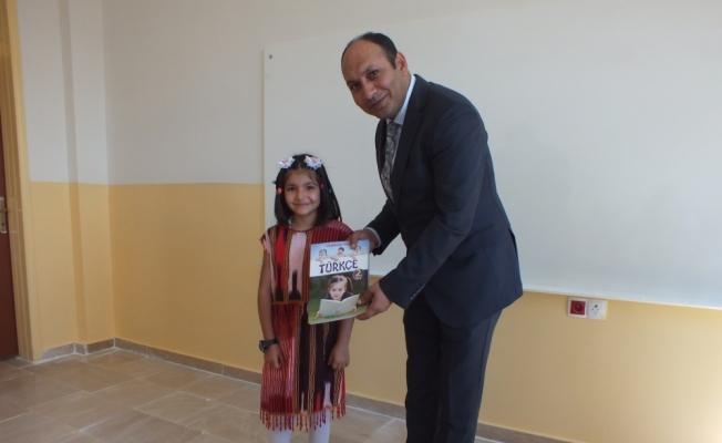 Ulaş'ta bin 259 öğrenciye ücretsiz ders kitabı