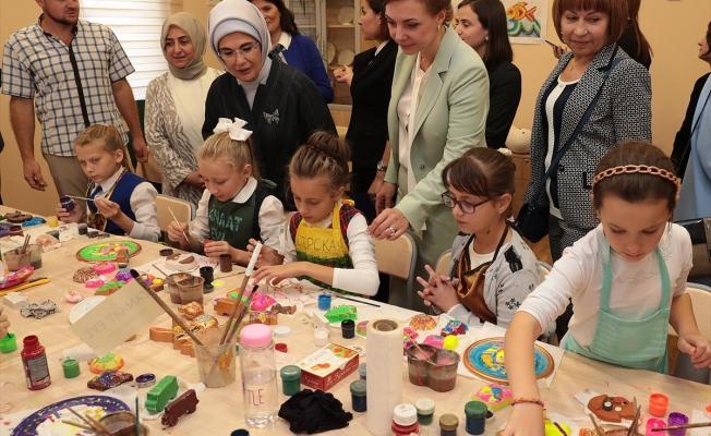 Gagauzya'ya yapılan Gençlik Merkezi Emine Erdoğan tarafından açıldı
