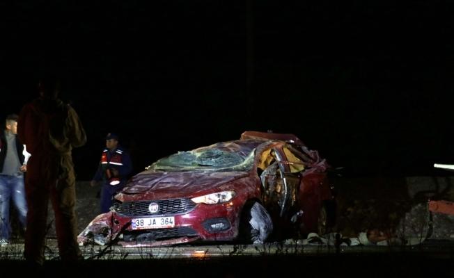 Kayseri'de otomobil devrildi: 4 ölü, 1 yaralı
