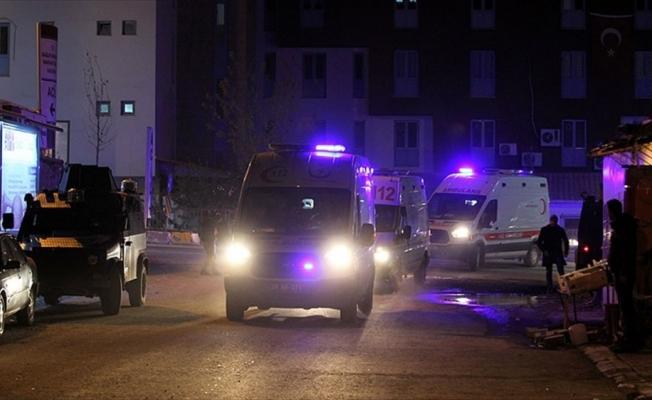 Şemdinli'de karakolda arızalı mühimmat infilak etti: Yaralı askerler var