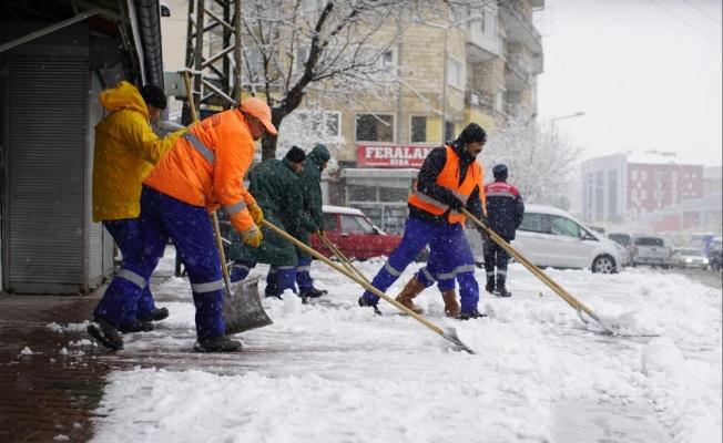 Nevşehir Belediyesiden karla mücadele çalışması
