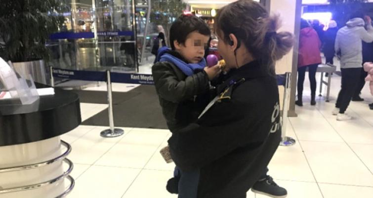 3 Yaşındaki Oğlunu AVM'de Terk Eden Anne Bulundu!