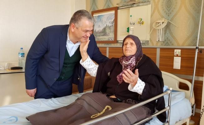 Başkan Karahan'dan, hasta ziyareti