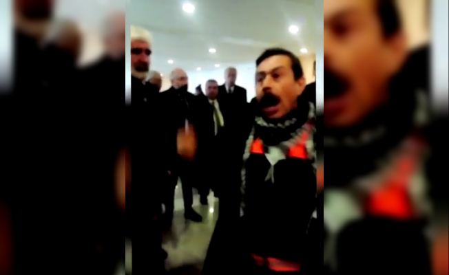 CHP'nin aday tanıtım toplantısında CHP'li işçinin maaş isyanı
