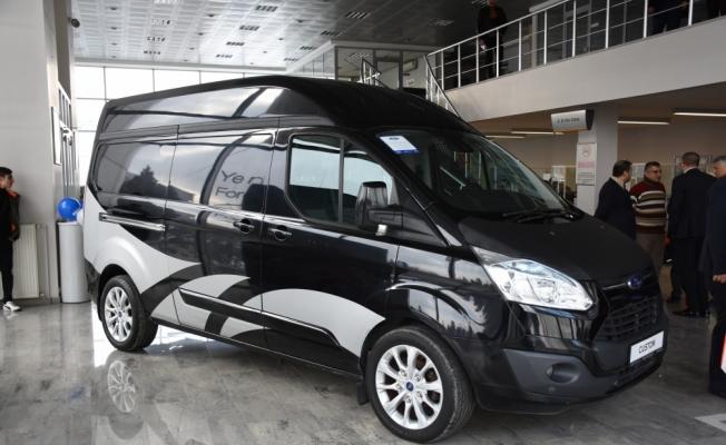 Ford Otosan'dan meslek lisesine araç desteği