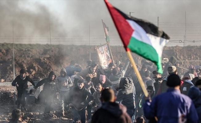 Gazze'deki gösterilerde yaralanan Filistinli şehit oldu