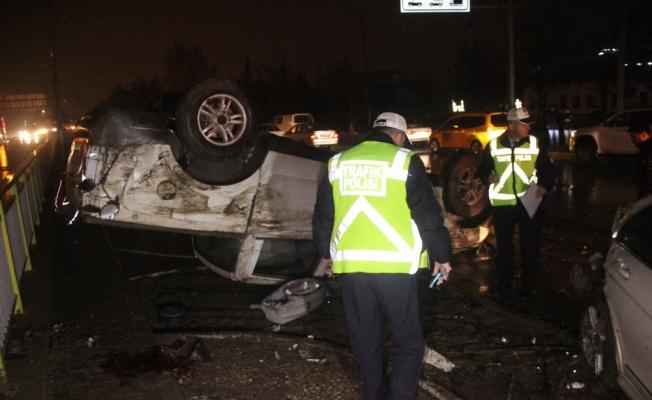 Kazazedeye yardıma gidenlere otomobil çarptı: 2 ölü, 3 yaralı