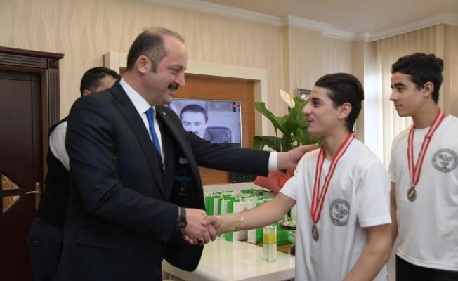 Mamak'ta Geleceğin şampiyonları yetiştiriyor