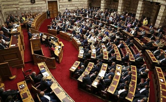 Yunanistan'da 'hükümete destek' açıklamaları ANEL'i böldü
