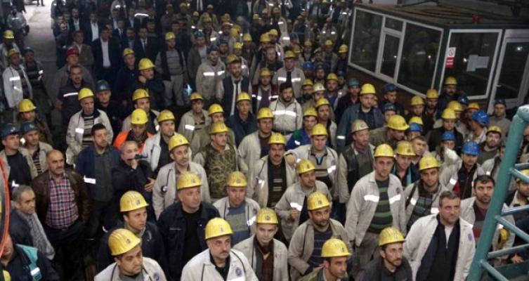 Bakan Dönmez: Soma'da Bir Ay İçinde 2 Bin 400 Maden İşçisi Kadroya Alınacak