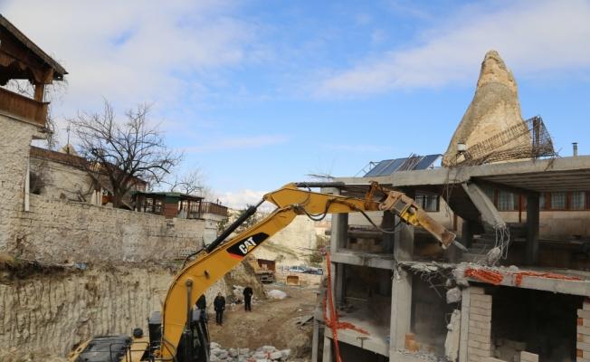 Göreme'de peribacaları bölgesindeki inşaatın yıkımı
