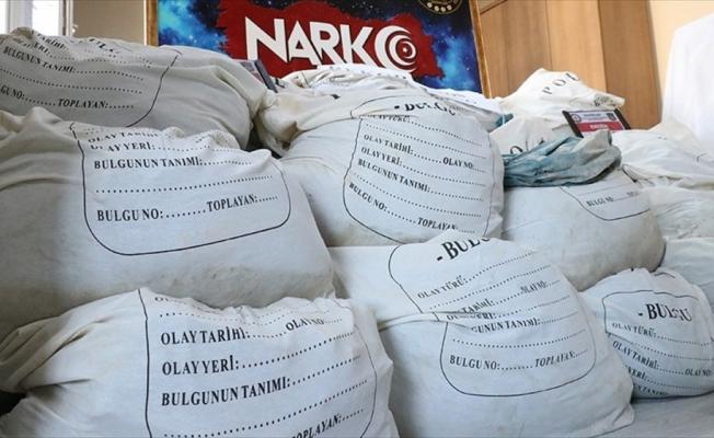İçişleri Bakanı Soylu: Yılbaşından bugüne kadar 5 ton eroin ele geçirildi