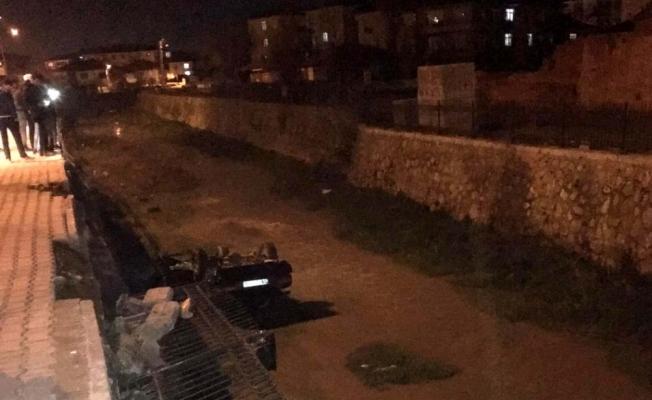 Kırıkkale'de otomobil su kanalına düştü: 1 yaralı