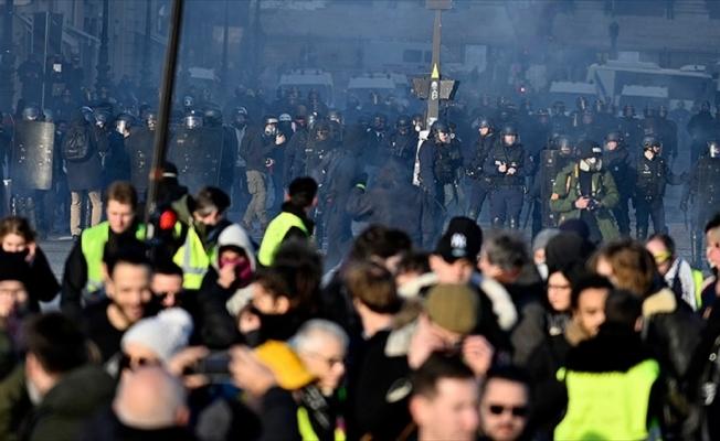 Sarı yeleklilerin gösterilerinde 8 bin 400 gözaltı