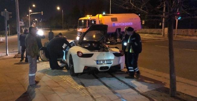 Çankaya Köşkü önünde trafik kazası: 1 ölü