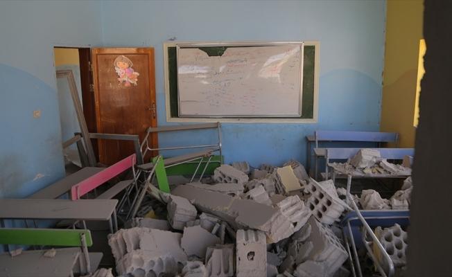Esed rejimi İdlib'de okulu vurdu: 2 çocuk hayatını kaybetti