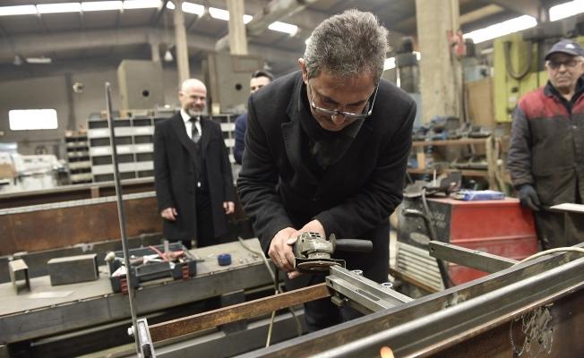 Köse, fabrikaları ziyaret etti, kaynak yaptı