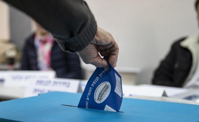 İsrail'de seçim berabere bitti