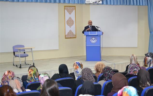 Kırşehir'de Kur'an-ı Kerim'i güzel okuma yarışması