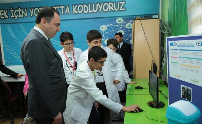 Yozgat'ta 4006 TÜBİTAK Bilim Fuarı açıldı