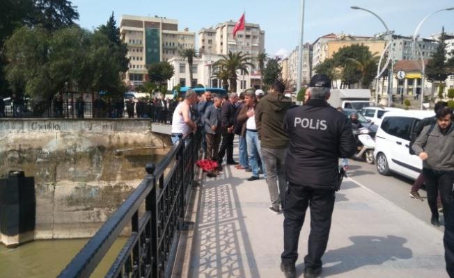 Başkent'te intihar girişimini polisler engelledi