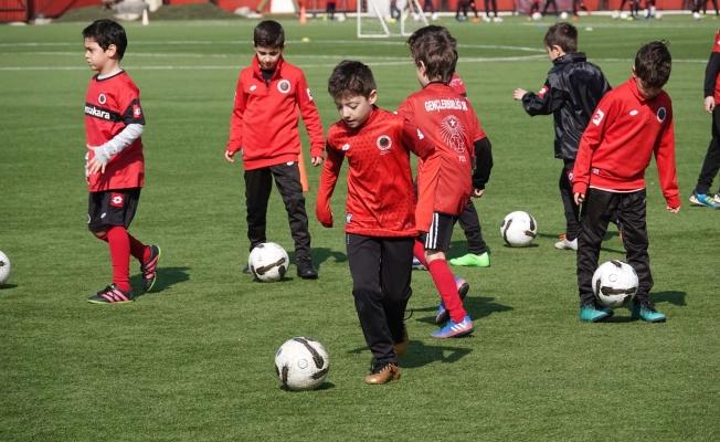 Gençlerbirliği futbolcu seçmeleri başlıyor