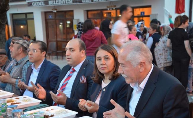 Güdül'de iftar programı