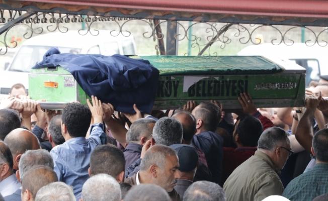 Siyanürlü sıvı ile ölen anne ve babanın cenazeleri defnedildi