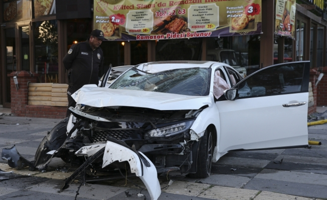 Başkentte trafik kazası: 1'i ağır 3 yaralı