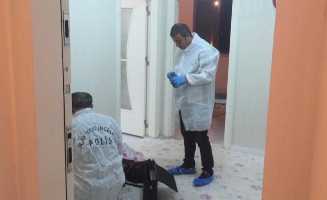 Konya'da cinnet getiren kişi eşini öldürdü