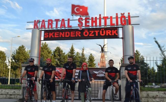 15 Temmuz şehitleri için bisikletle Ankara'ya gidiyorlar